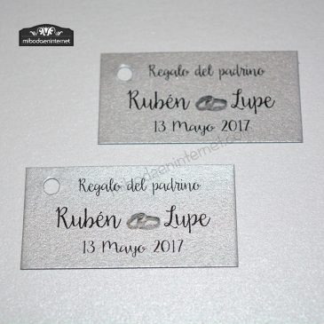 Tarjetita para regalo de boda en cartulina plata para Rubén y Lupe